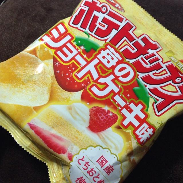ポテトチップス苺のショートケーキ味(コイケヤ)